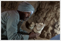 Mortuary Temple of Amenhotep II: Discovery of canopic jars,(c) CEFB